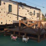 愛犬と一緒にトレーラーハウスに泊まろう!マリーナフランピングビレッジ天草で快適キャンプ<熊本県>